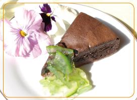 チョコレートケーキに添えて